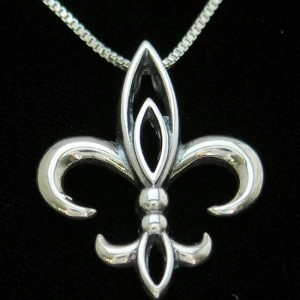 MA037-Large-Orleans-Pendent